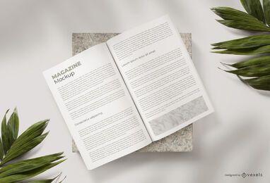 Composição de maquete de revista aberta
