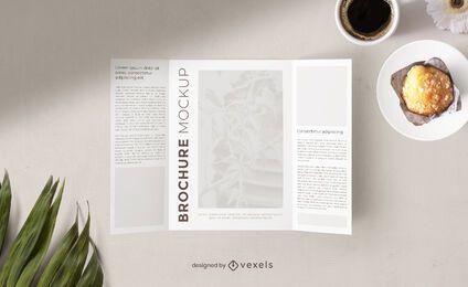 Composición de maqueta de desayuno de folleto