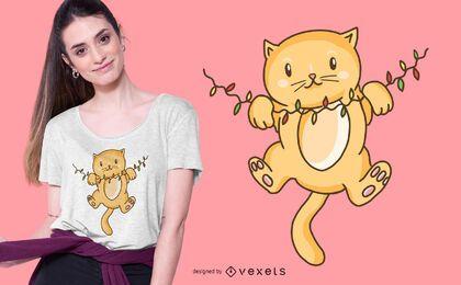 Diseño lindo de la camiseta del gatito