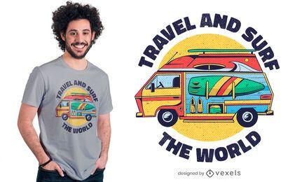 Diseño de camiseta de viaje y surf.