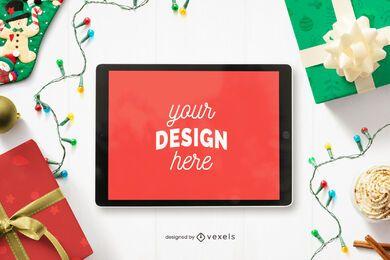 Composición de maqueta de tableta navideña