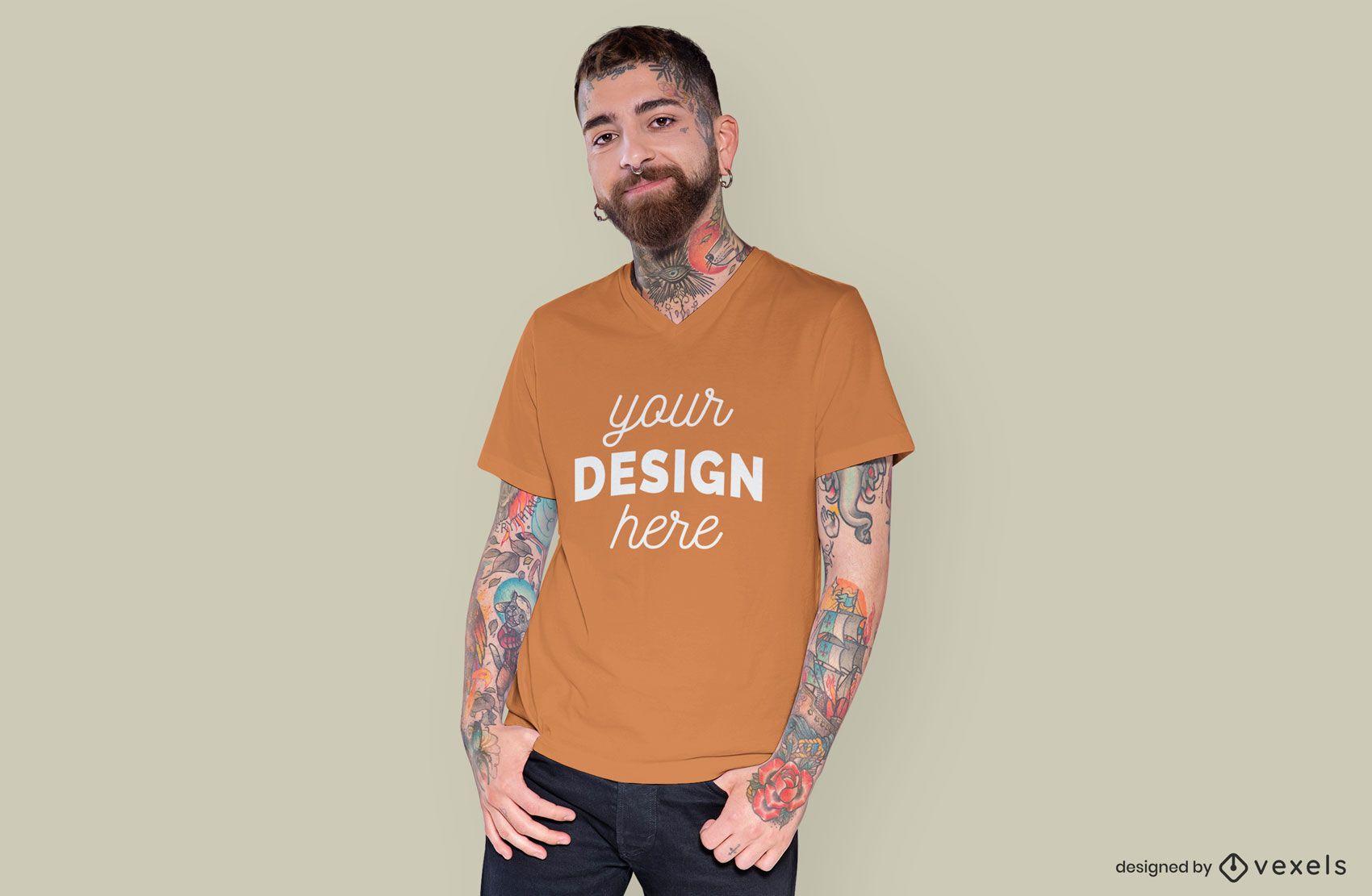 Maqueta de camiseta de hombre con las manos en el bolsillo