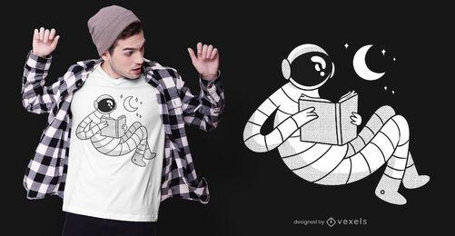 Astronaut liest T-Shirt Design
