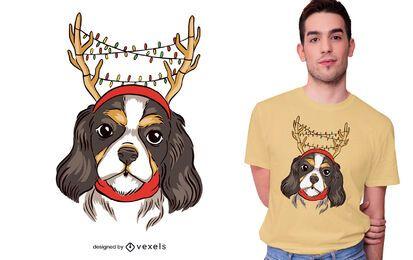 Diseño de camiseta de reno de perro cavalier.