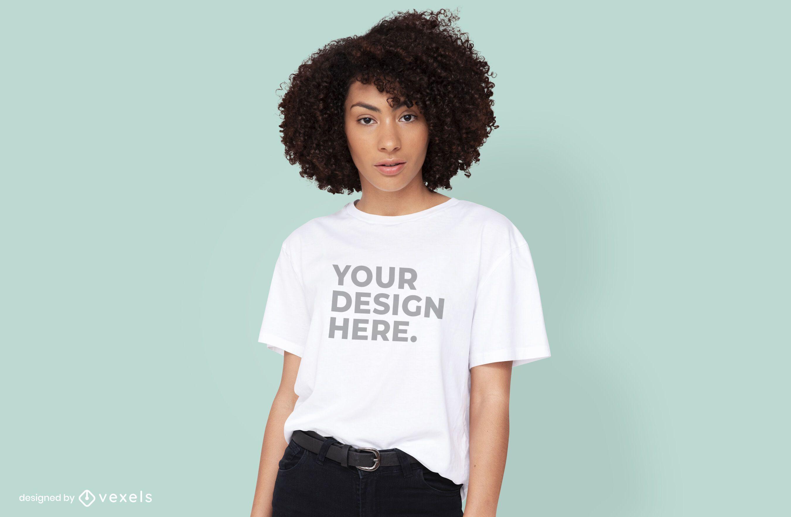 Weibliches Modell T-Shirt psd Modell Design