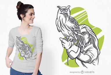 Mulher com design de t-shirt de coruja