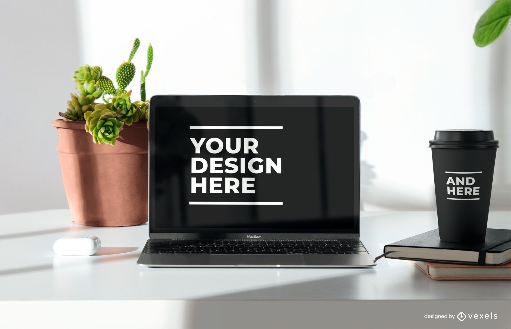 Composição de maquete de laptop e xícara