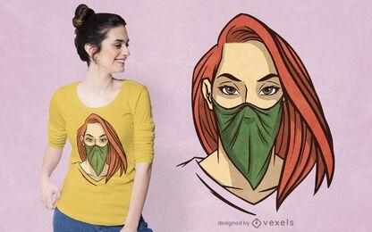 Mulher com desenho de t-shirt bandana