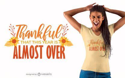 Design engraçado de t-shirt com citação de ação de graças