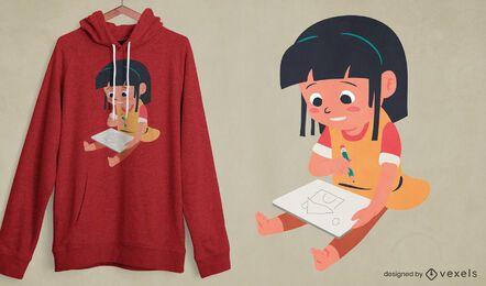 Menina desenhando o design da camiseta da casa