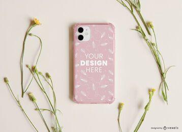 Composição de maquete de flores para capa de telefone