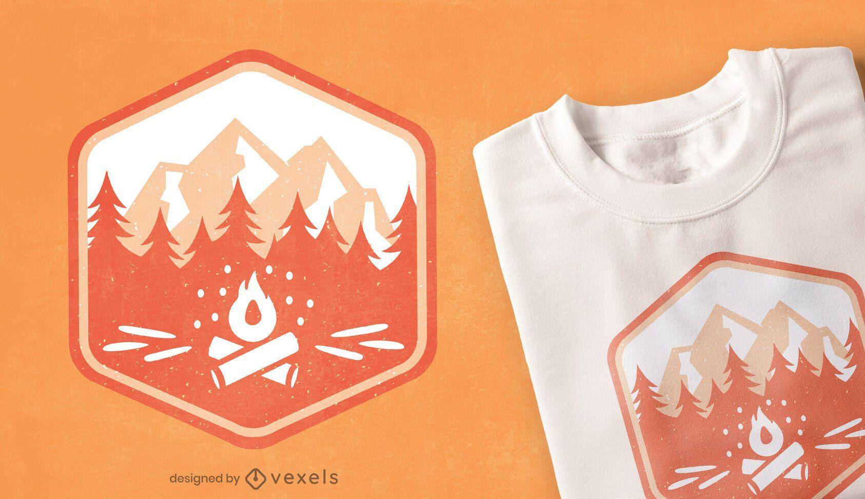Diseño de camiseta con insignia de camping.