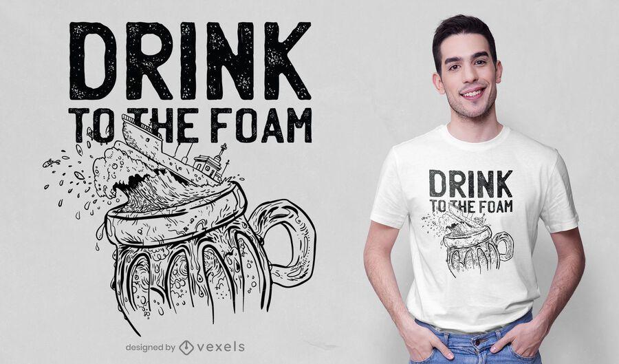 Diseño de camiseta de barco de cerveza dibujado a mano.