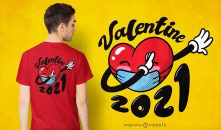 Design de t-shirt com máscara em forma de coração
