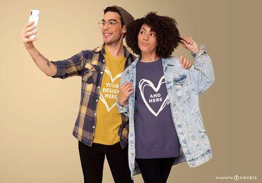 Diseño de maqueta de camiseta de pareja selfie