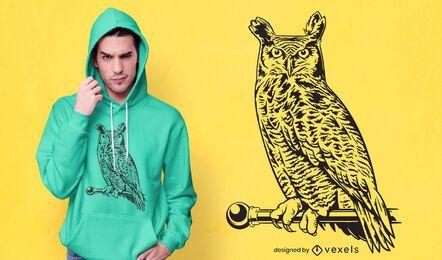 Design de camiseta com mastro de coruja