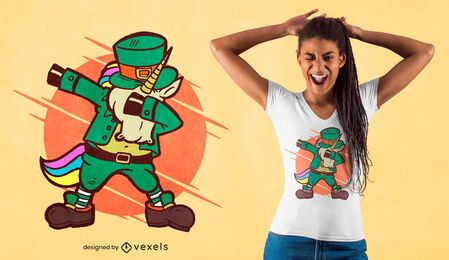 Leprechaun com design de camiseta de unicórnio