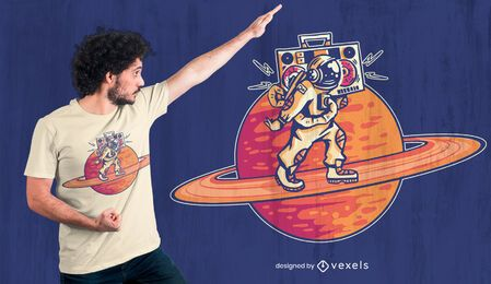 Design de camiseta do astronauta de Saturno