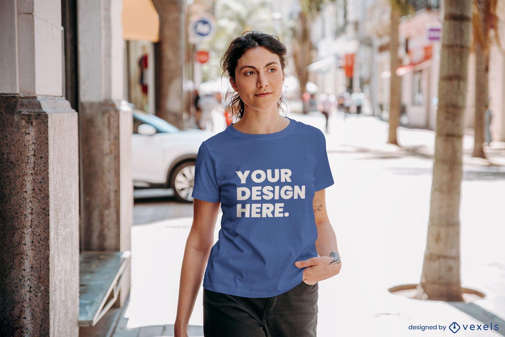 Diseño de maqueta de camiseta de modelo de calle