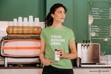 Design de maquete de camiseta de cafeteria