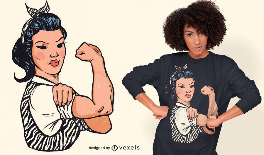 Starke Frau, die T-Shirt Design beugt