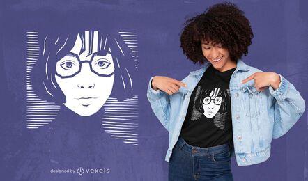 Chica con gafas diseño de camiseta a rayas.