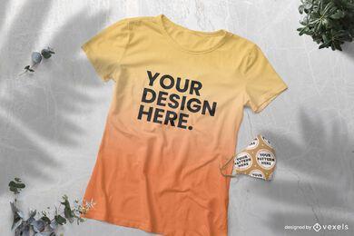 Maqueta de camiseta degradada y mascarilla