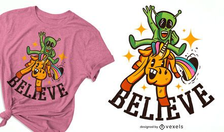 Diseño de camiseta alienígena montando unicornio.