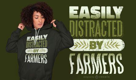 Distraído com o design da camiseta com citações dos fazendeiros