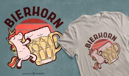 Diseño de camiseta de unicornio bebiendo cerveza.