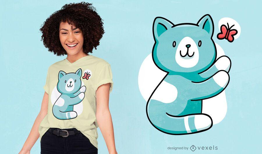 Diseño de camiseta lindo gato persiguiendo mariposa