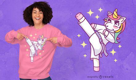Diseño de camiseta linda de unicornio de Karate