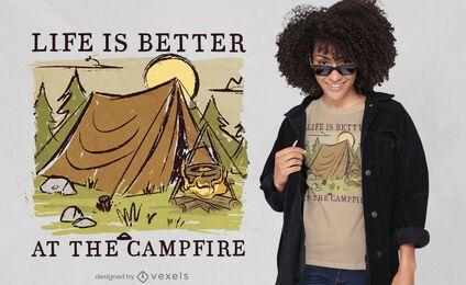 Diseño de camiseta de cita de vida de camping