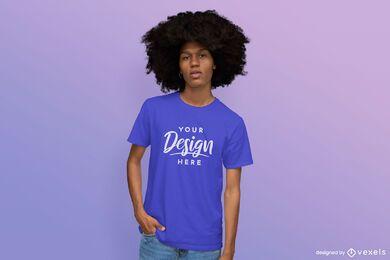 Mann im T-Shirt-Modell