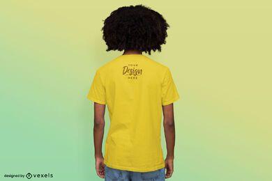 Maqueta de camiseta de fondo degradado al revés de hombre