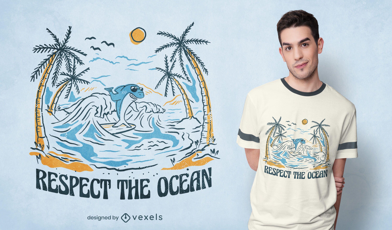 Respeta el diseño de la camiseta del tiburón surfista en el océano.