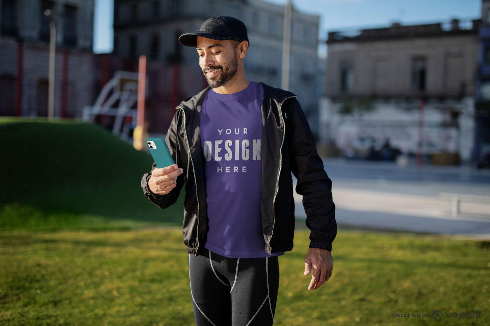 Homem de exercícios com modelo de camiseta de telefone