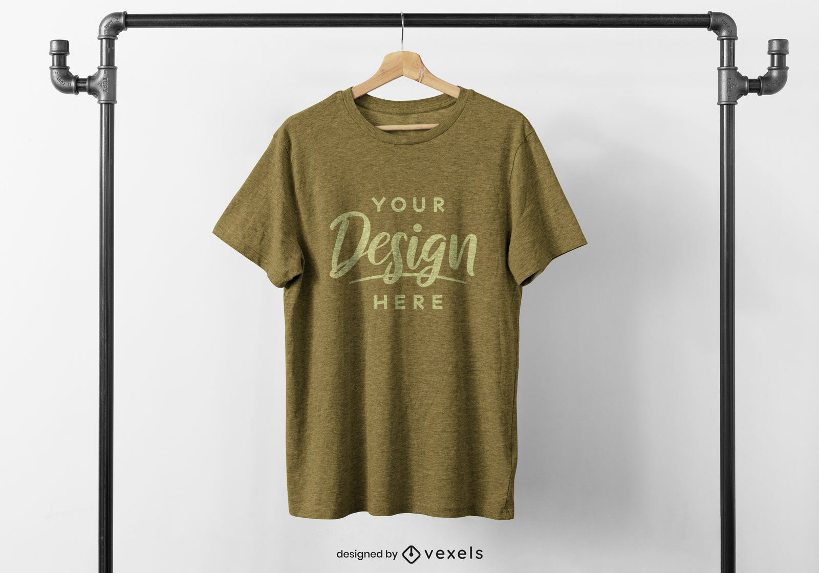 Camiseta en maqueta de perchero colgante