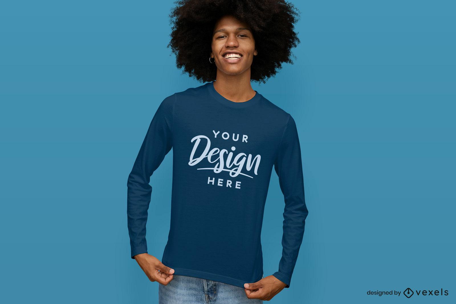 Maquete de camiseta de manga comprida azul com fundo azul