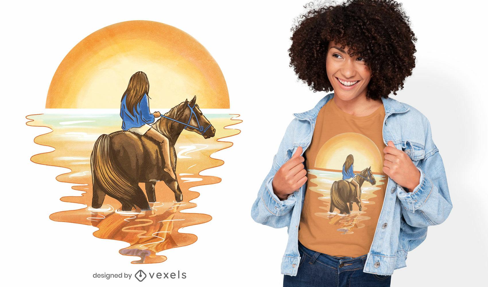Rapariga a cavalo com o design da t-shirt do pôr do sol