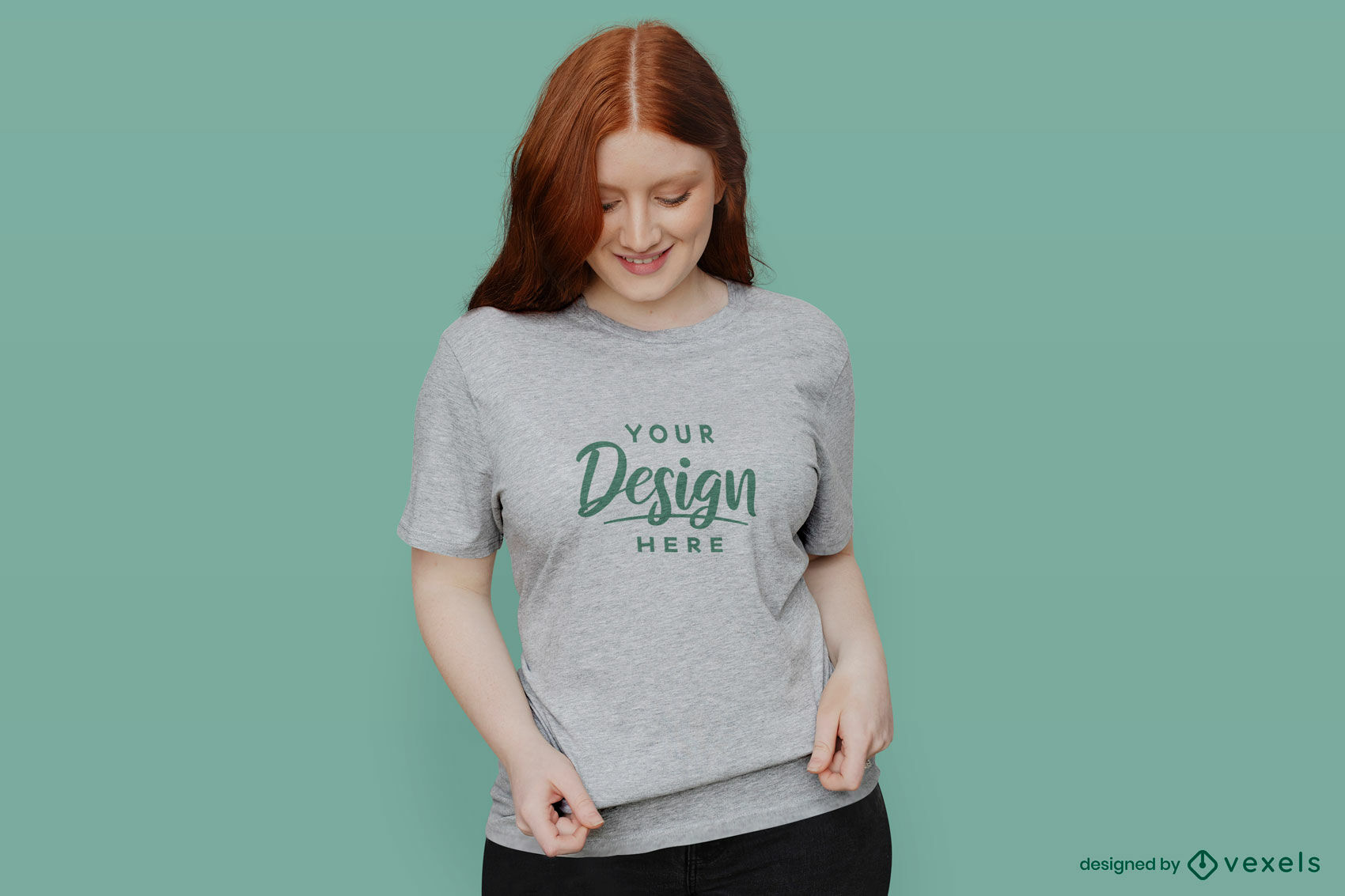 Chica en camiseta gris maqueta de fondo verde