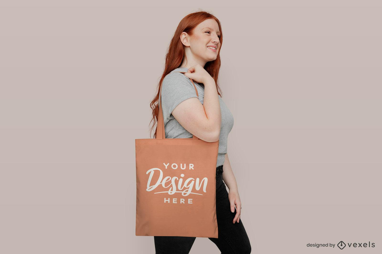Lila Einkaufstasche Mädchen im rosa Hintergrundmodell