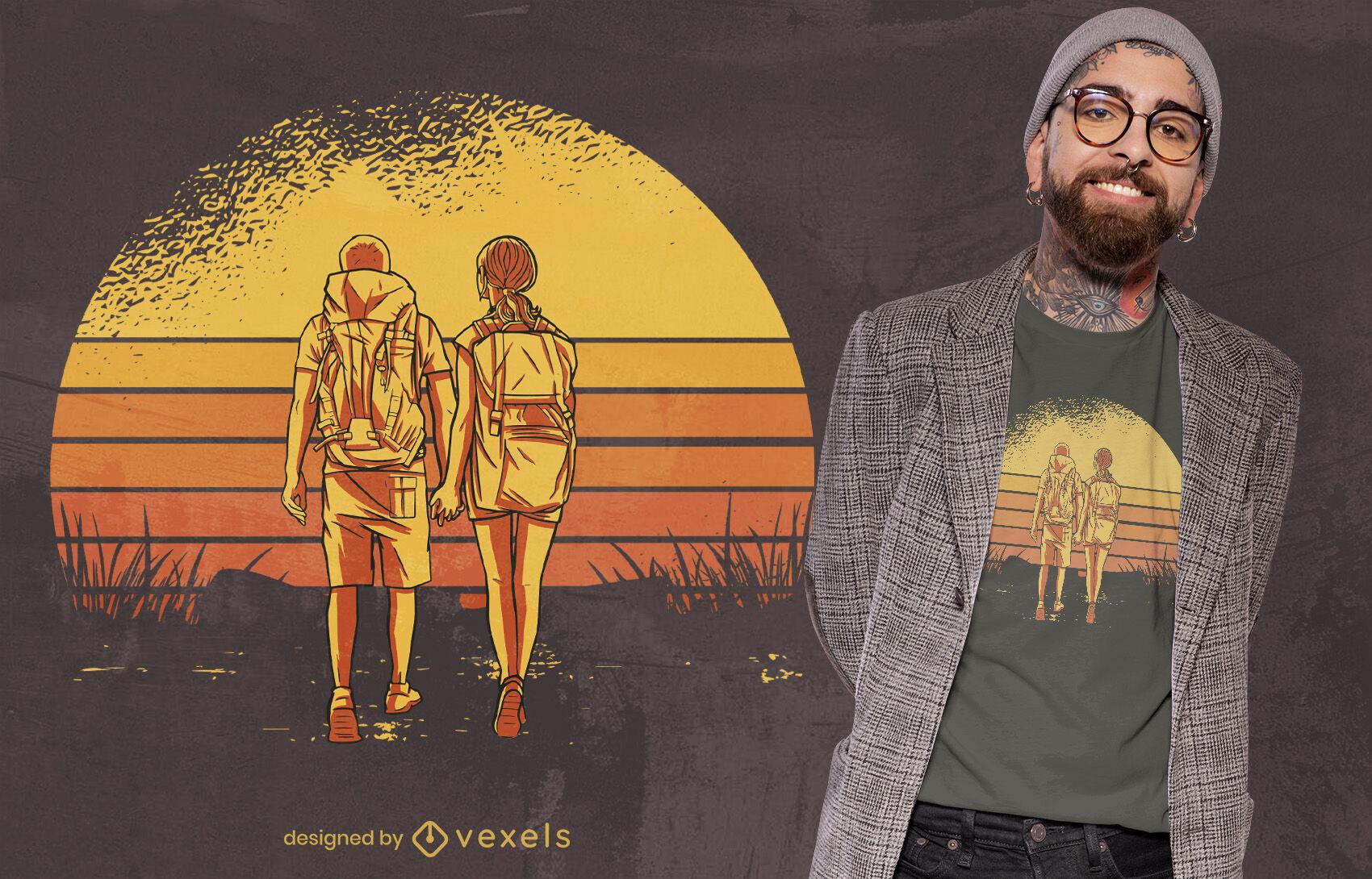 Casal caminhando com design retrô de camiseta para o pôr do sol