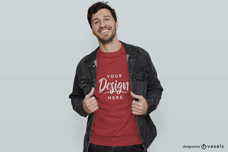 Hombre en camiseta roja y maqueta de chaqueta