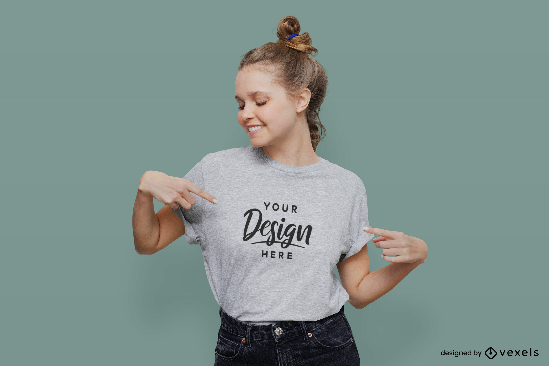 Mädchen im grauen T-Shirt mit flachem Hintergrundmodell