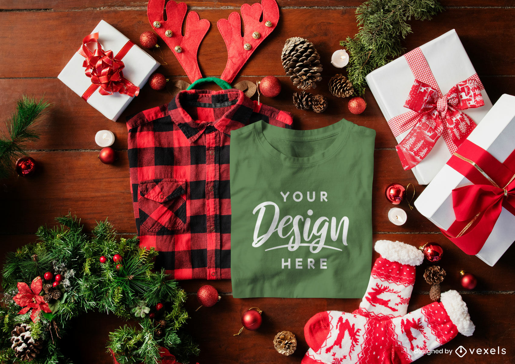 Composici?n de maqueta de camiseta verde navide?a
