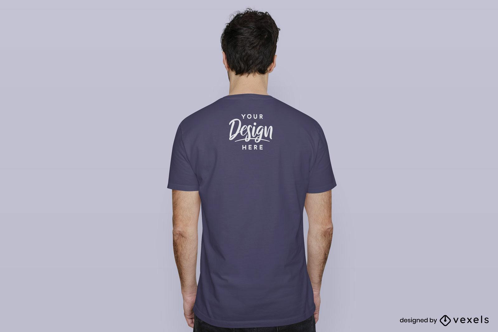 Blaues T-Shirt Mannmodell rückwärts flacher Hintergrund