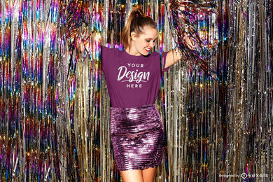 Mädchen lila T-Shirt-Modell im Party-Tanzclub