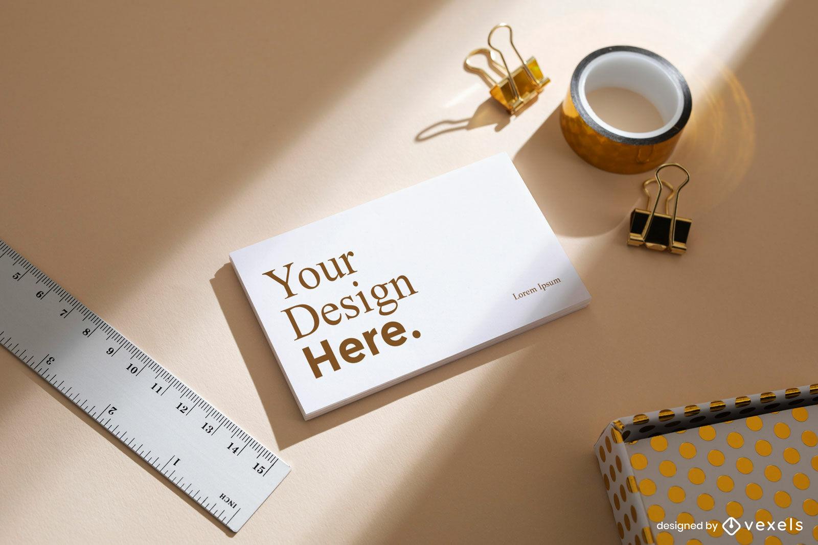 Mesa de maquete de cartão de visita em tons quentes