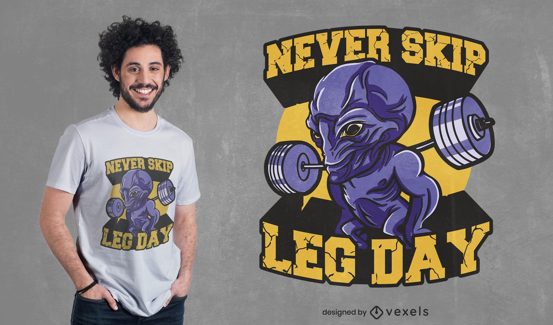 Criatura alien?gena en el dise?o de camiseta de gimnasio.